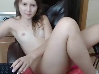 Sexy young girl on webcam Nnikalovelly