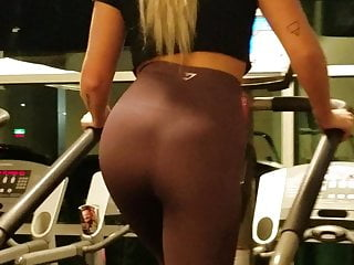 blonde gym bunnies